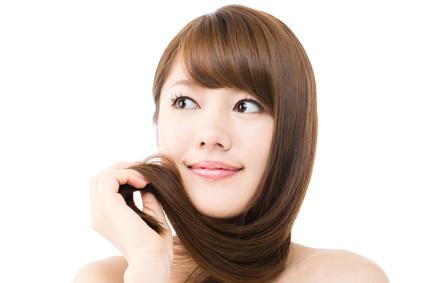 髪の色持ちに疑問を持つ女性