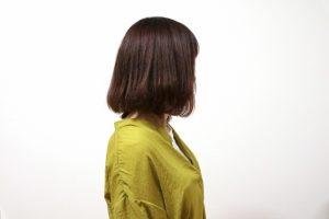 ミディアムヘアの女性