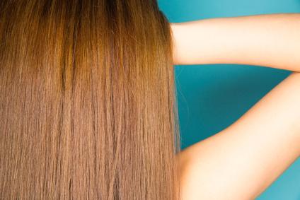 ムラなく綺麗に染まった女性の髪