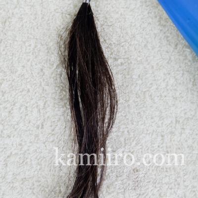 白髪50%の人毛毛束をルプルプカラートリートメントで3回染めた写真