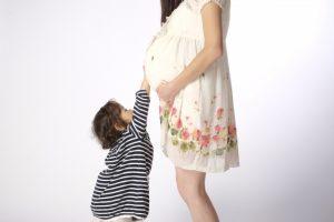 妊婦と女の子